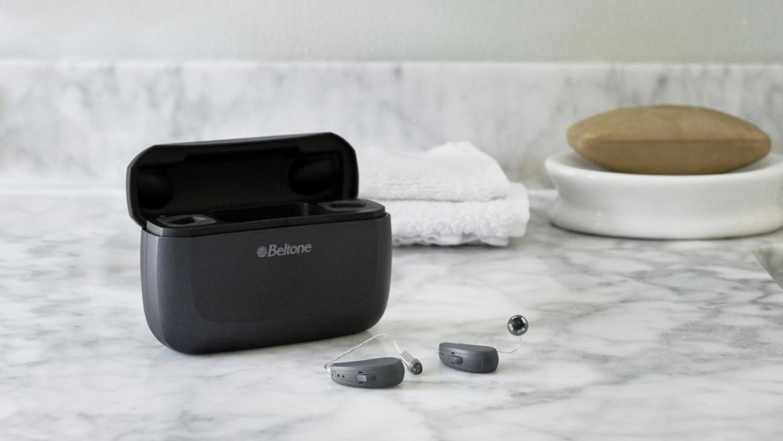 Invisibles, recargables, ajustables a distancia y se configuran con una app. Así son los nuevos audífonos de Beltone. Pruébalos gratis!